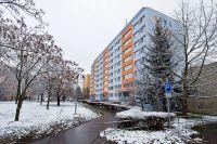Zateplení fasády a zateplení střechy domu Vyžlovská v Praze 10